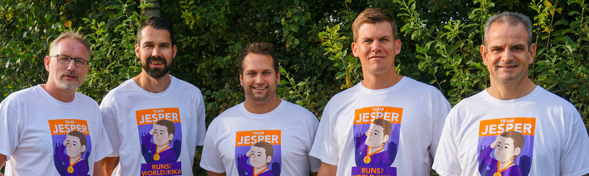 Foto van team Jesper tijdens Run for KiKa Marathon.